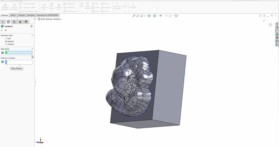 Automatic surfacing onto scan data in SOLIDWORKS