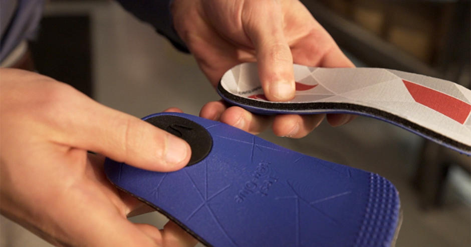 3D printed insoles by Wiivv delivered through mass custom manufacturing